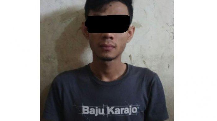Pengedar Pil Ekstasi di Pekanbaru Diamankan Petugas Kepolisian Saat Operasi Under Cover
