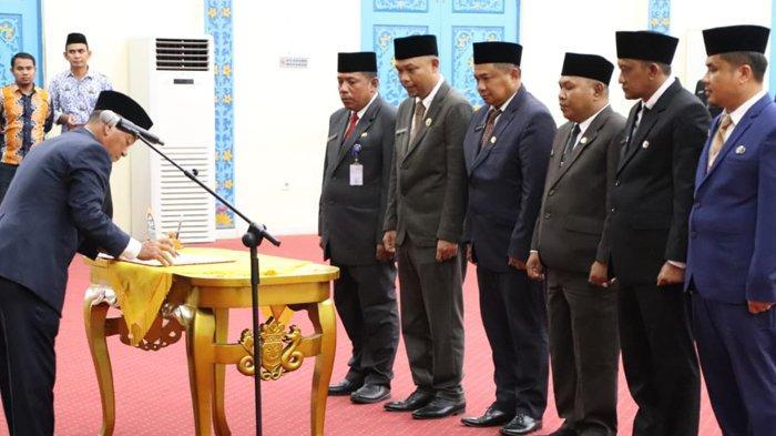 Tiga Pelaksana Tugas Didefenitifkan, Bupati Pelalawan Lantik Enam Kepala Dinas