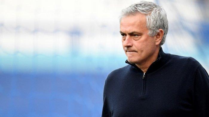 Pelatih kepala Tottenham Hotspur Jose Mourinho.