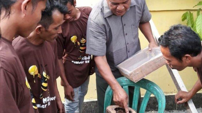 Balai TNBT Berikan Pelatihan Budidaya Lebah Kelulut bagi Masyarakat Talang Mamak