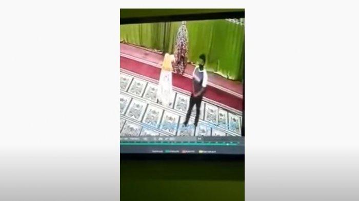 Pria Ini Buka Resletingnya Di Masjid, Langsung Beraksi Saat Bocah Perempuan Sedang Sujud