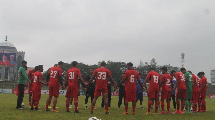 Inilah Nama-nama Pemain Semen Padang FC yang Dilepas Musim 2019, Hengky Ardiles Juga