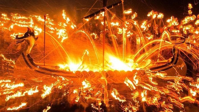 Mengerikan, Wanita Sukarela Dibunuh Dalam Ritual Pemakaman Raja Viking