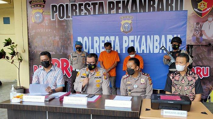 Foto : Bos dan Pegawai Ditangkap Polisi, Palsukan Surat Hasil Tes Swab PCR - pemalsu-hasil-swab-tes-pcr.jpg