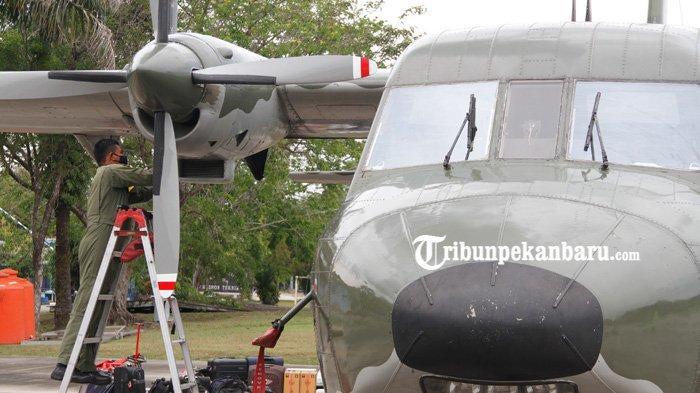 FOTO : Pemeriksaan Pesawat Cassa 212 untuk Jalankan Misi TMC di Riau