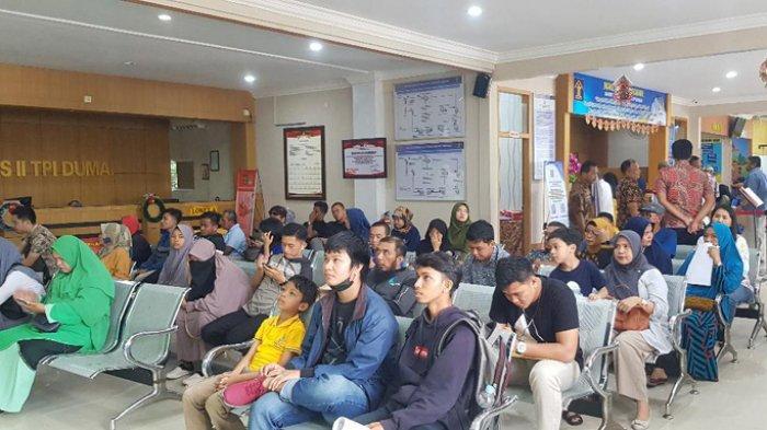 Capai 100 Pemohon Sehari, Pembuatan Paspor di Imigrasi Dumai Naik 100 Persen