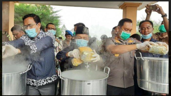 Ketua DPRD Siak Rebus 20 Kg Sabu,  Mengaku Seperti Ikut Lomba Memasak