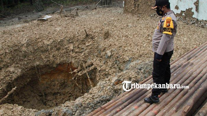 FOTO: Lubang Semburan Gas di Ponpes al Ihsan Pekanbaru Akan Ditutup - penampakan-lubang-semburan-gas-di-ponpes-al-ihsan-pekanbaru-akan-ditutup.jpg