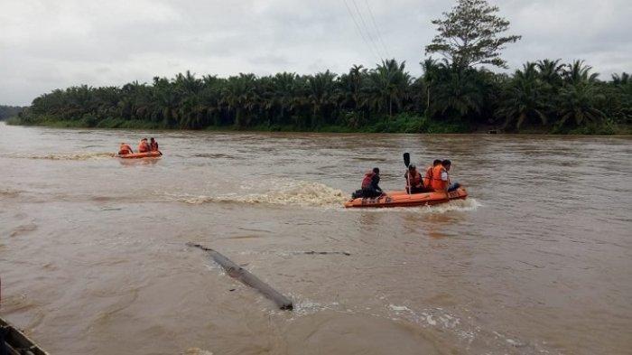 Bocah yang Hanyut di Sungai Batang Hari Dharmasraya Belum Ditemukan, Pencarian Dilanjutkan
