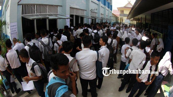 PPDB SMA dan SMK Negeri di Riau Gratis, Jika Ada Pungutan Laporkan ke Nomor WhatsApp Ini