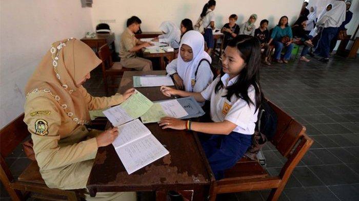 Komisi I DPRD Pelalawan Riau Minta Disdik Antisipasi Gejolak PPDB 2019
