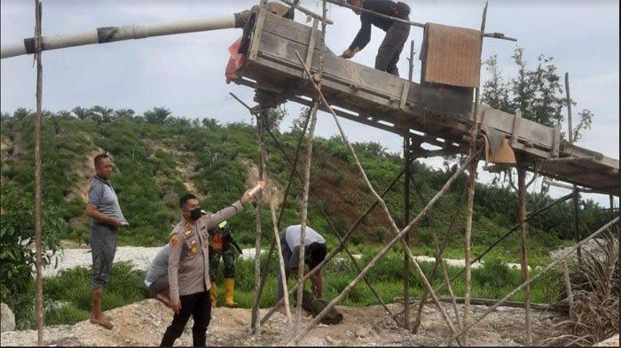 2 Pelaku dan Mesin Dompeng Diamankan, Polsek Singingi Tertibkan PETI di Desa Logas Hilir
