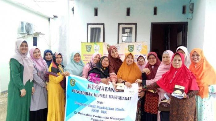 Pengabdian Masyarakat Prodi Pendidikan Kimia UIR Sosialisasi Pengolahan Nugget Kaya Antioksidan