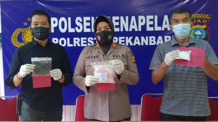 Penggerebekan Rumah Pengedar Narkoba di Kampung Dalam Pekanbaru, Pelaku Kabur Lewat Plafon