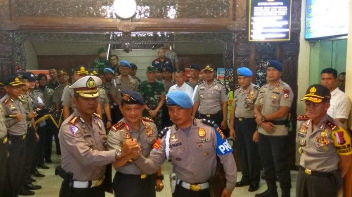 Selain 2 Polisi yang Tembak Mati Empat Teroris di Polda Riau, 3 Personel Ini Juga Naik Pangkat