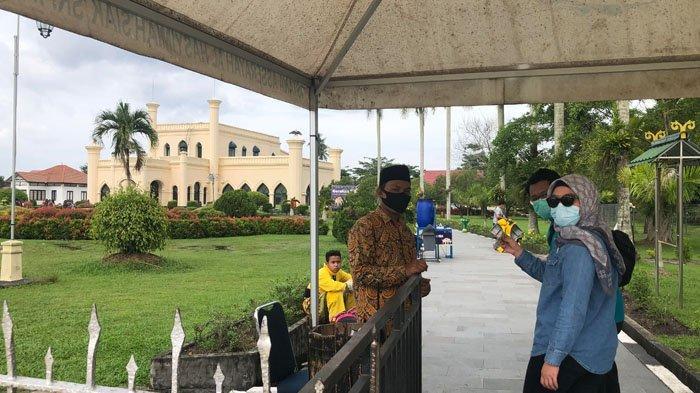 Jelang Tutup Tahun 2020, Pengunjung Luar Daerah Serbu Istana Siak