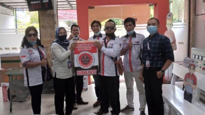 Horas Bangso Batak Beri Bantuan Bagi Korban Bencana di NTT