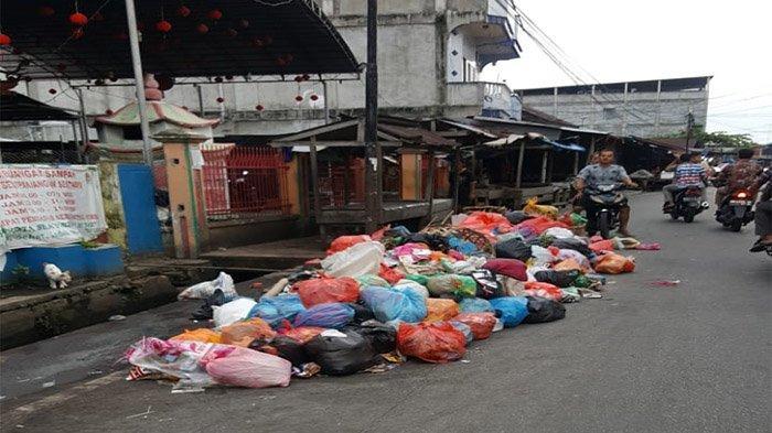 Timbulkan Bau Menyengat, Penumpukan Sampah di Sejumlah Lokasi di Selatpanjang Pasca Lebaran
