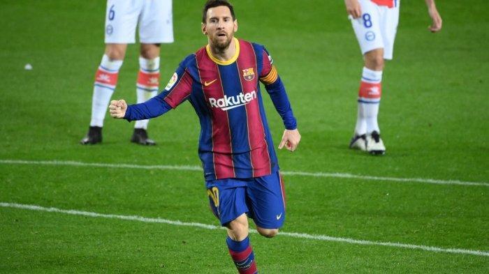 Penyerang Barcelona asal Argentina Lionel Messi usai mencetak gol dalam pertandingan FC Barcelona dan Deportivo Alaves di stadion Camp Nou di Barcelona pada 13 Februari 2021.