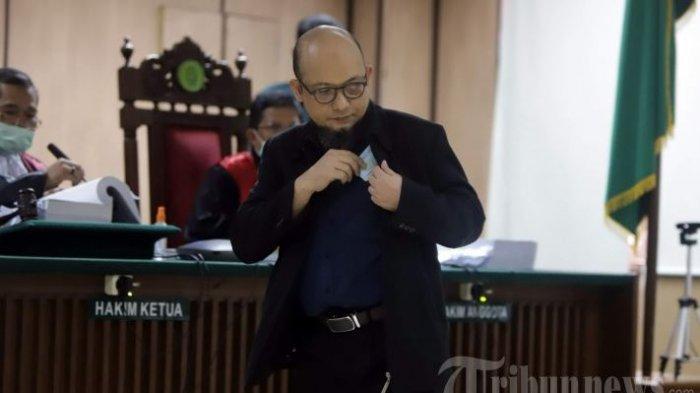 Penyidik senior Komisi Pemberantasan Korupsi (KPK), Novel Baswedan saat memberikan kesaksian dalam sidang kasus penyiraman air keras terhadapnya di Pengadilan Negeri Jakarta Utara, di Jakarta Pusat, Kamis (30/4/2020).