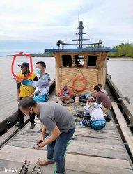 Heboh, Foto Pjs Bupati Siak Mancing Satu Perahu  dengan Tim Satu Paslon Pilkada  Beredar Luas