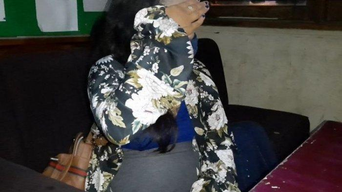 Seorang perempuan muda kondisi hamil tua terjaring razia Pol PP Kota Tasikmalaya, Senin (1/3/2021) dini hari.(KOMPAS.COM/IRWAN NUGRAHA)