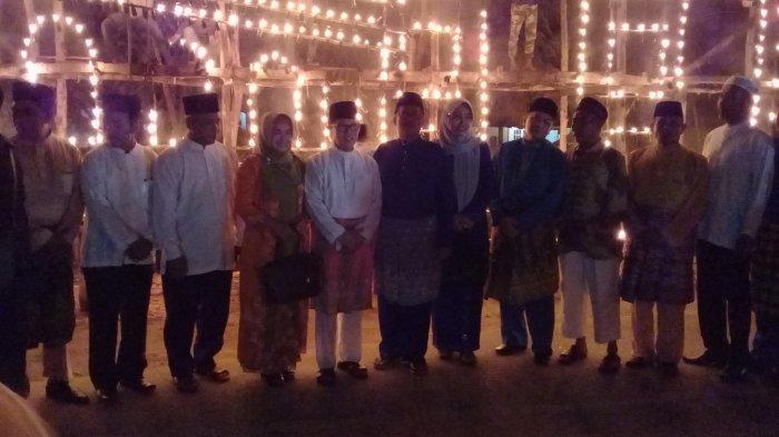 Lampu Colok Hiasi Malam 27 Ramadhan 1438 H di Dumai