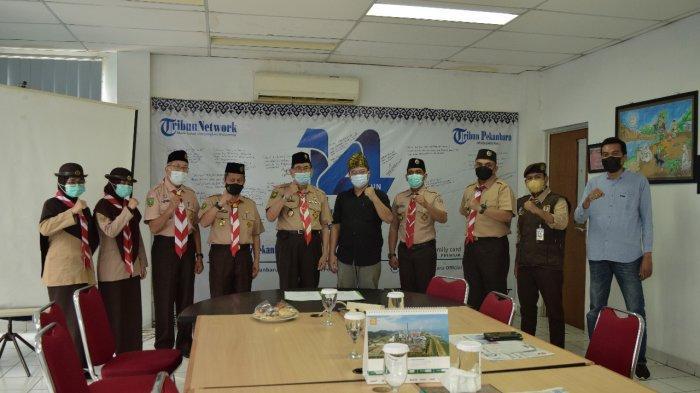 Perkuat Kerjasama, Ketua Kwarda Riau Kunjungi Tribun Pekanbaru