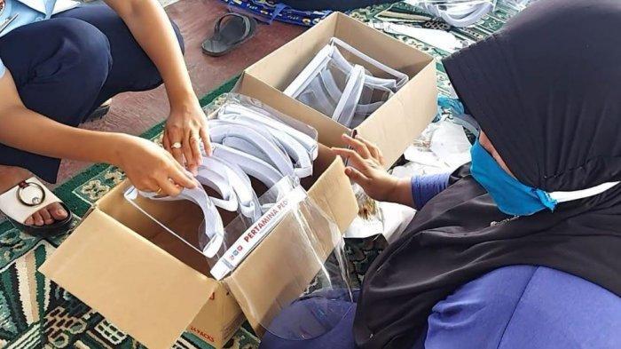 Pertamina Berdayakan Warga Binaan Lapas Dumai Produksi Face Shield dan Masker