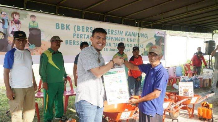 PT Pertamina RU II Dumai, Gelar BBK Bersama Warga Tanjung Palas, dan Serahkan Bantuan