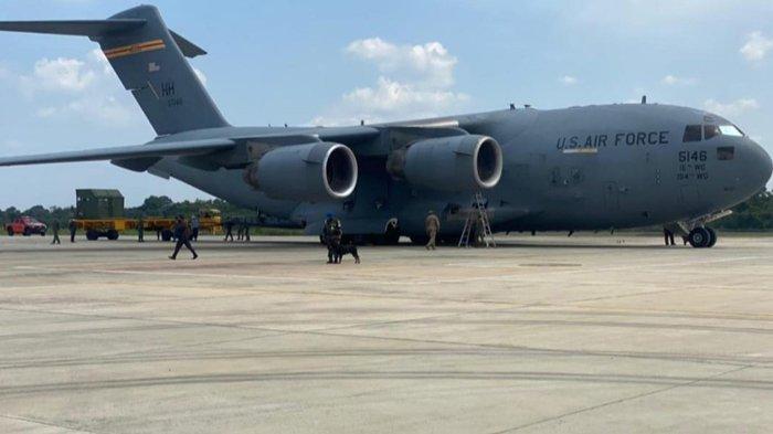 Pesawat Angkatan Udara Amerika Serikat Mendarat di Bandara SSK II Pekanbaru, Ada Apa?