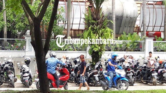 Petugas Parkir Liar di Mal SKA Pekanbaru Pungut Rp 3.000 untuk Sepeda Motor, Ini Reaksi Kepala UPTD