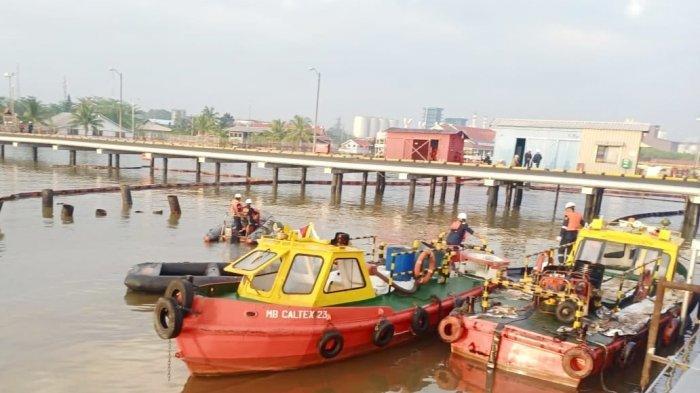 Tumpahan Minyak di Pelabuhan PT CPI di Dumai Sudah Dibersihkan