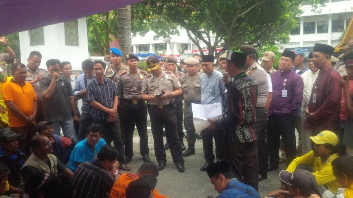 Ratusan THL DKP dan Bina Marga Mogok Kerja, Akibat Gaji Dipotong Hingga 17 Persen