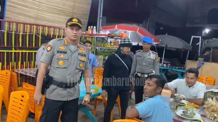 Polisi di Riau Bubarkan Massa yang Nekat Berkerumun Saat PSBB di Riau, Tercatat 13.656 Kasus