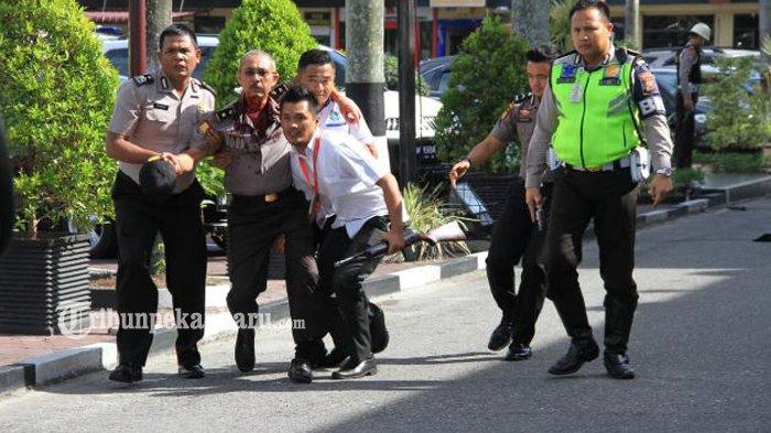 Polisi Tangkap 8 Orang Terkait Serangan Teror di Mapolda Riau