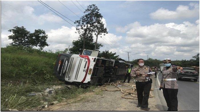 Bus Terbalik di Jalintim 4 Penumpang Tewas, Sopir Cadangan yang Bawa Bus Kabur, Kini Diburu Polisi