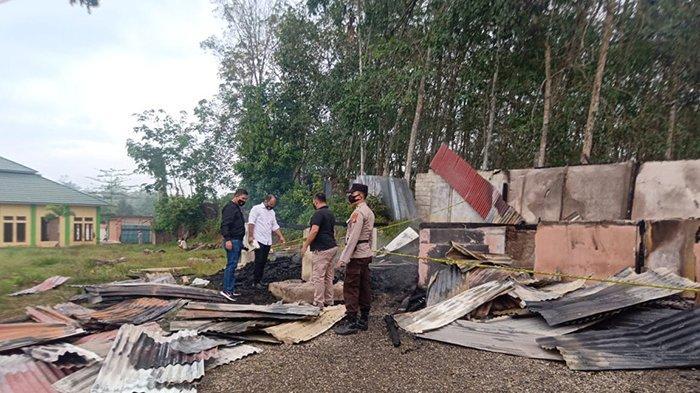 Kondisi Ponpes Rehabilitasi Quranic Healing Indonesia di Ujung Batu, Rokan Hulu, Riau usai kebakaran.
