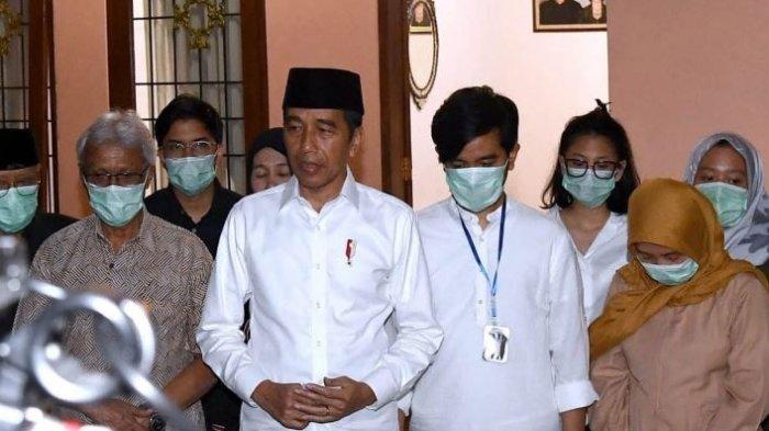 Ibunda Presiden Jokowi Punya Pesan Terakhir untuk Guru Ngaji Jokowi, Pemilik Ponpes Singo Ludiro