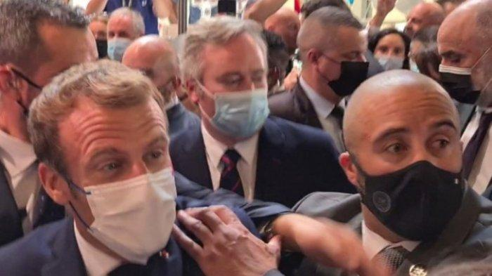 Presiden Prancis Emmanuel Macron Dilepari Telur, Vive La Revolution Teriak Pelaku
