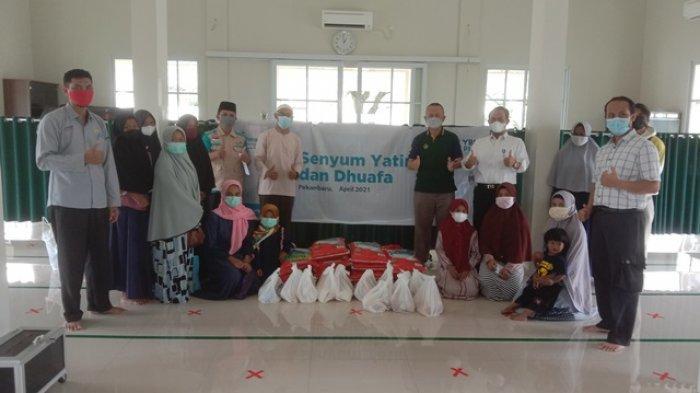 YBM PLN Bagikan Paket Bingkisan Sembako dan Santunan Yatim Dhu'afa Ramadhan 1442 H