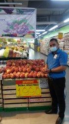 Buah Naga Merah Harganya Hanya Rp 19.900 Per Kilogram di Hypermart Mal SKA Pekanbaru