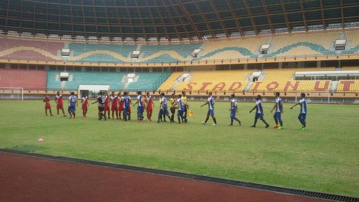 Rabu Pagi, PSPS Riau Latihan Ujicoba Bersama dengan Nabil FC di Stadion Utama Riau