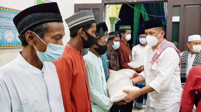 Puluhan Mualaf di Kepulauan Meranti Mendapat Santunan dari Bupati Saat Tablik Akbar Idul Adha 1442 H
