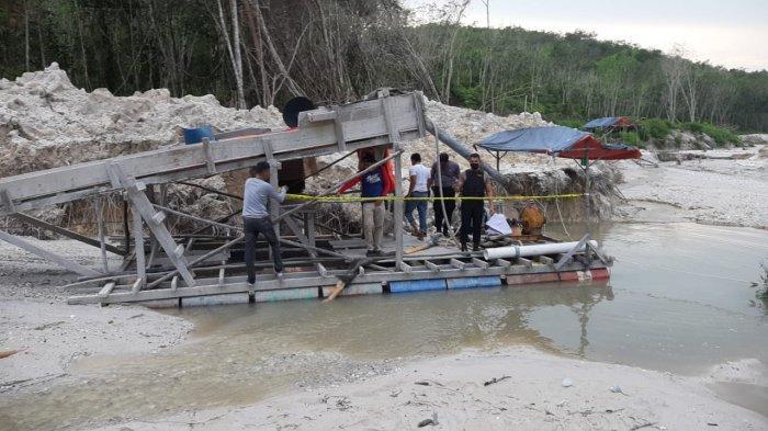 Kondisi Medan Sulit, Polsek Singingi Kuansing Amankan Tiga Rakit Emas Ilegal Tanpa Pemilik