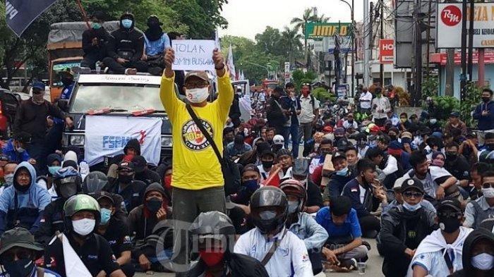8 Poin UU Cipta Kerja yang Jadi Sorotan Buruh,dari PHK SepihakHingga Menghapus Hak Cuti
