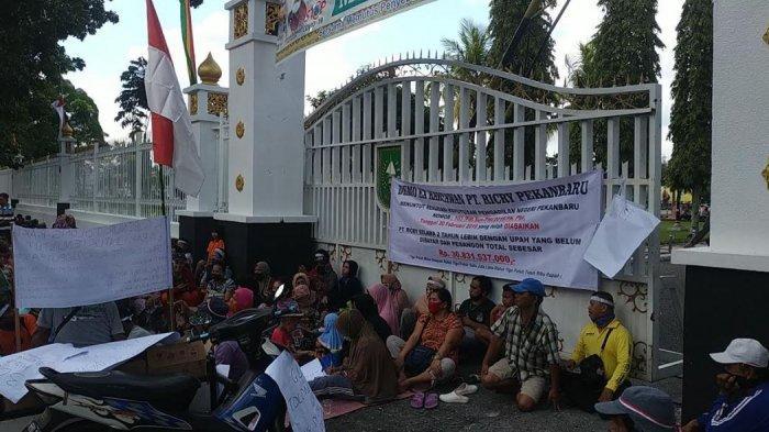 Lapor Pak Gubernur, Ratusan Eks Karyawan Pabrik Karet tak Terima Pesangon, Demo Kantor Gubernur Riau