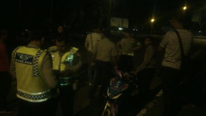 Polisi Curiga, Ada yang Menggantung di Antara Besi Jembatan, Ketahuan, Terbongkar Kedok Penjual Jamu