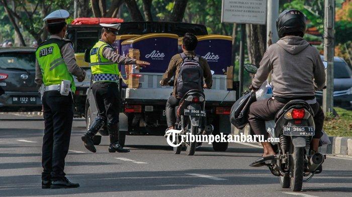 Berawal Ditilang Polisi, 2 Mahasiswa Ini Gugat Aturan Lampu Motor Wajib Nyala di Siang Hari ke MK