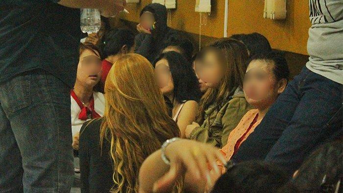 Razia Tempat Hiburan Malam dan Warung Remang-remang, 52 Wanita Diamankan Satpol PP